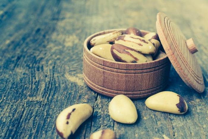 Ořechy jsou jedním z doporučovaných zdrojů nenasycených tuků.