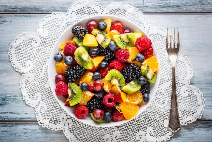 Ovocný salát může být báječná dopolední svačinka.