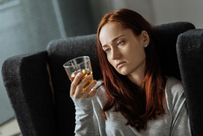 Alkohol při syndromu vyhoření rozhodně neprospívá.
