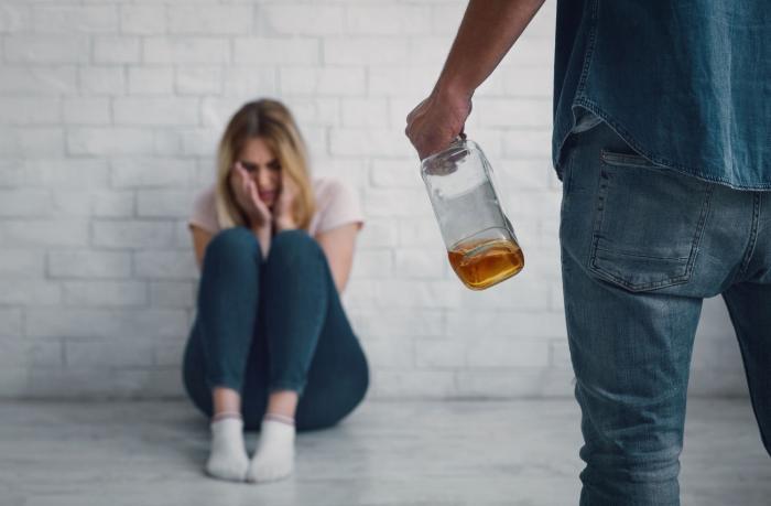 Domácí násilí nemusí být jen fyzického rázu.