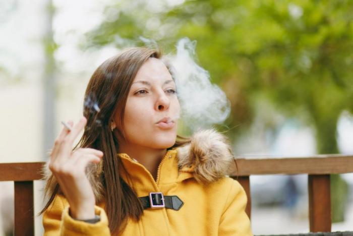 Na cigaretách si snadno vytvoříš závislost.