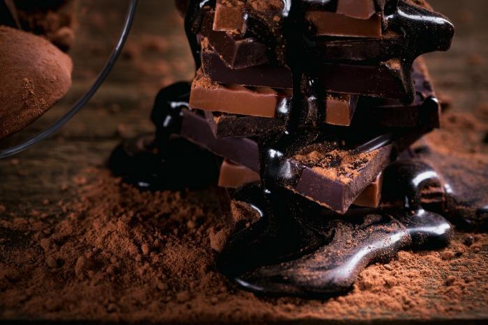 Tmavou čokoládou nejspíš nikdy nic nezkazíš.