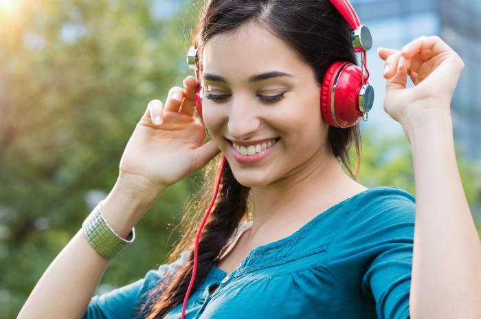 Hudba může pomoci ke zlepšení nálady.