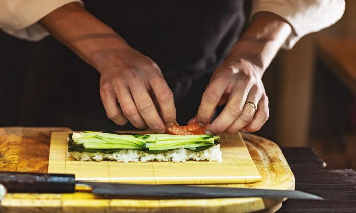 Pokud ráda zkoušíš nové recepty, pusť se i do sushi!