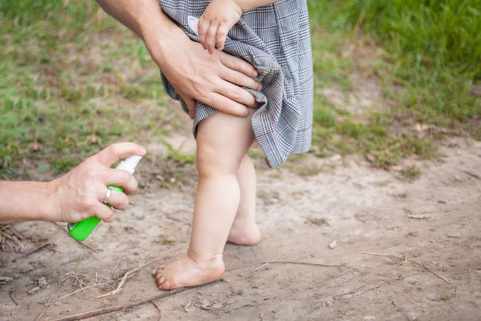 Komáři dokážou pěkně znepříjemnit i pár dní.