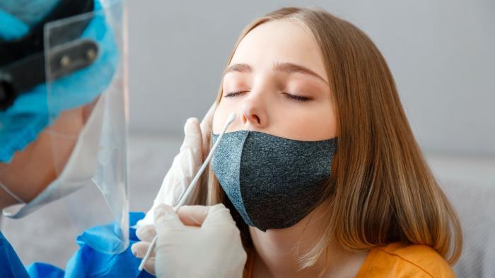 Prodělání nemoci by mělo člověka aspoň pár měsíců chránit před další nákazou.