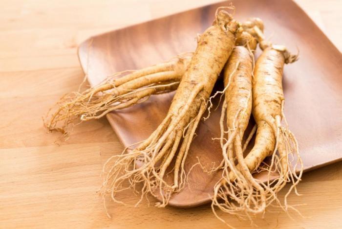 Z ženšenu se obvykle využívá jeho kořen.
