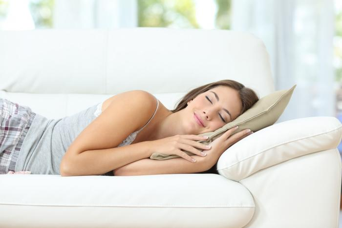 Dvacet minut spánku odpoledne může pěkně nakopnout.