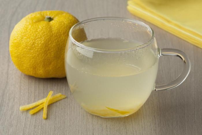 Čaj z yuzu je skvělým způsobem, jak si ovoce vychutnat.