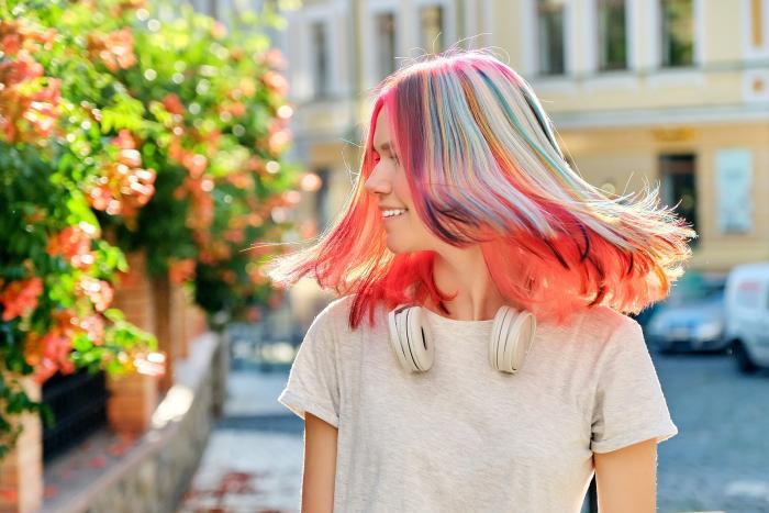 Koukni na naše tipy, jak podpořit růst a kvalitu vlasů.
