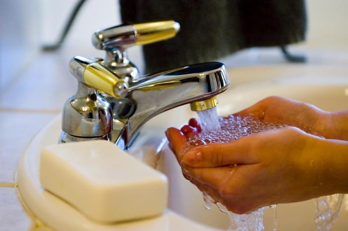 Mytí rukou je nejčastějším kompulzivním chováním.