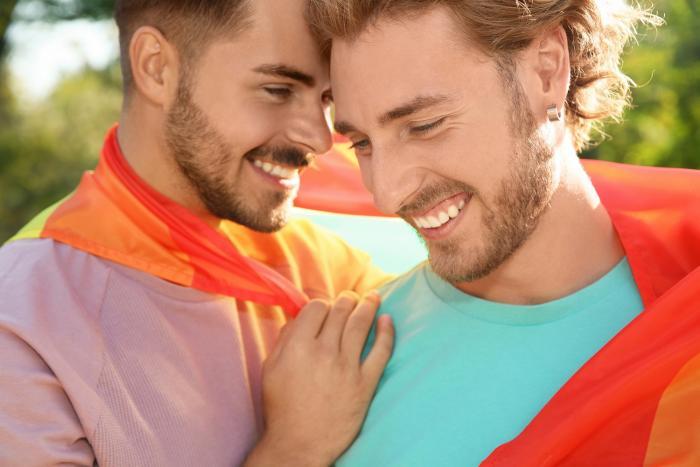 Homosexuální páry dneska mají možnost registrovaného partnerství.