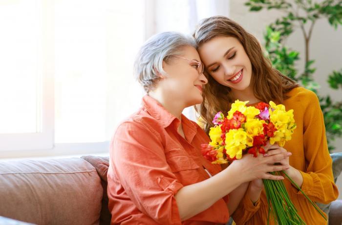 Den matek tradičně připadá na druhou květnovou neděli.