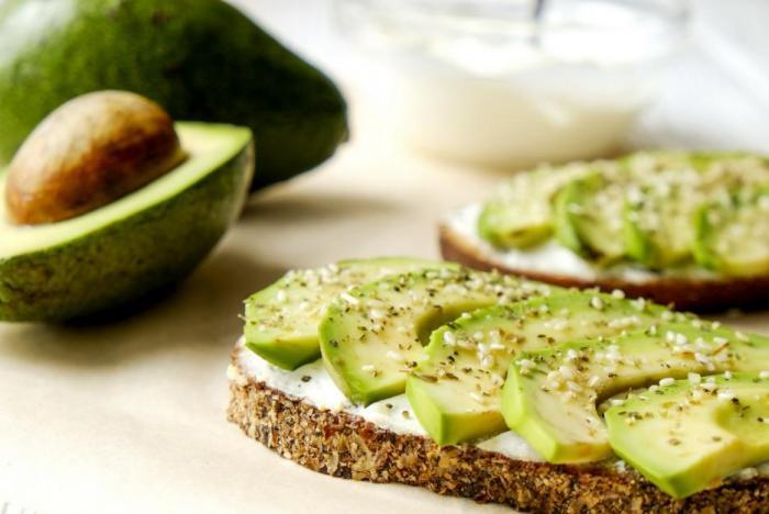Avokádo je perfektním zdrojem tuků, které prospívají zdraví.