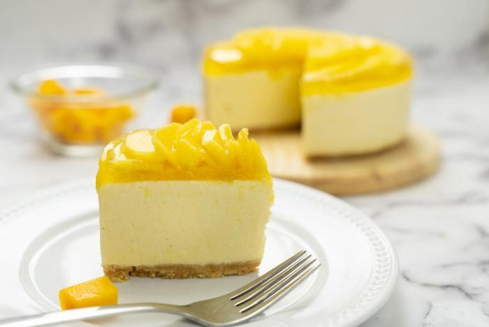 Na nepečený dort můžeš použít ovoce, na které máš právě chuť.