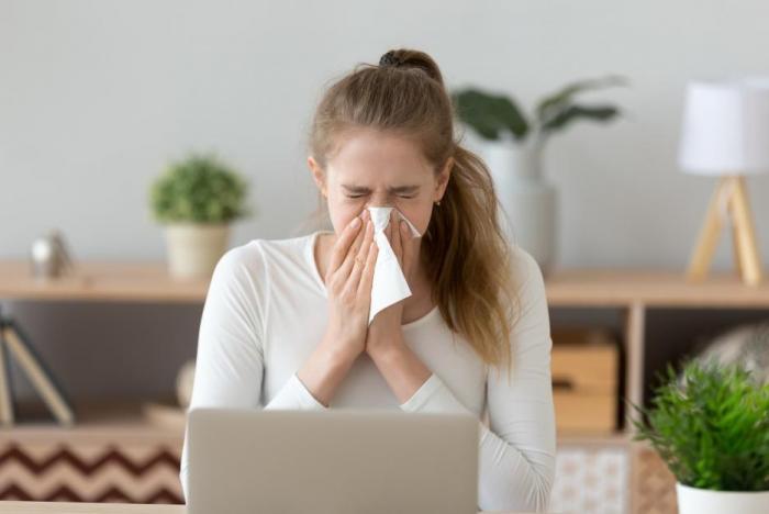 Teče ti často krev z nosu? Možná bude lepší navštívit lékaře.