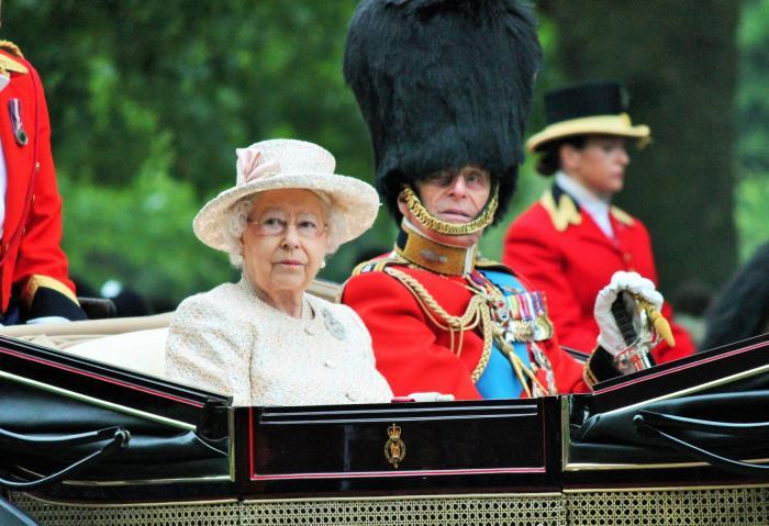 Nádherný královský pár už je minulostí.