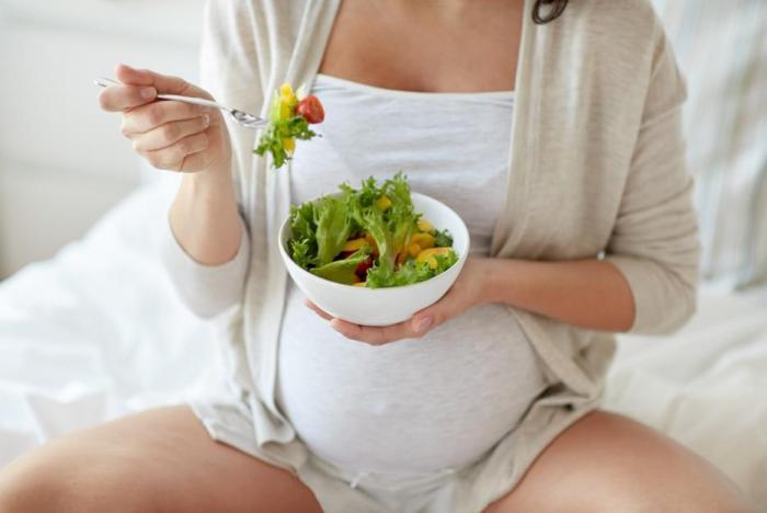"""Zácpu si během těhotenství """"užije"""" snad každá žena."""