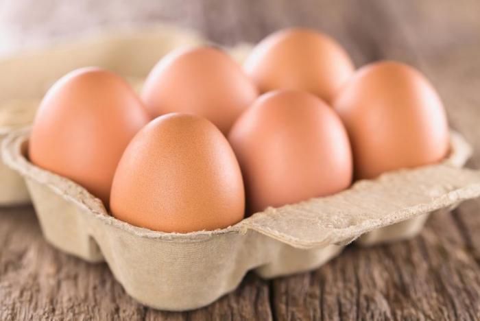 Vejce jsou skvělým zdrojem tuků a bílkovin.