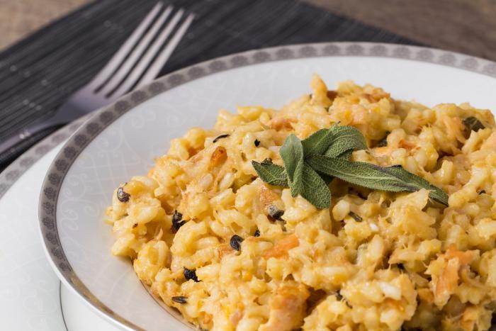Vepřové rizoto je stálice školních jídelen.