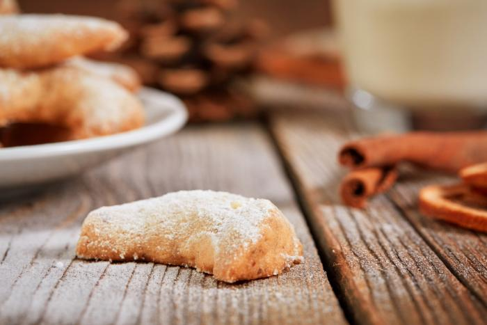 K vánočnímu cukroví patří vanilkové rohlíčky.
