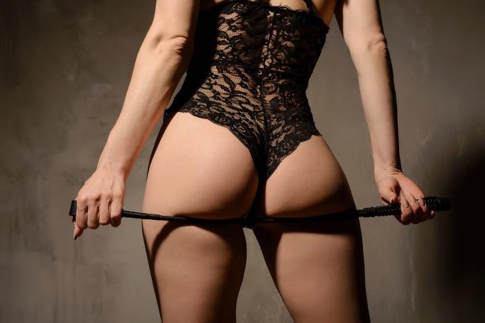 Spanking nepatří mezi extrémní BDSM praktiky.