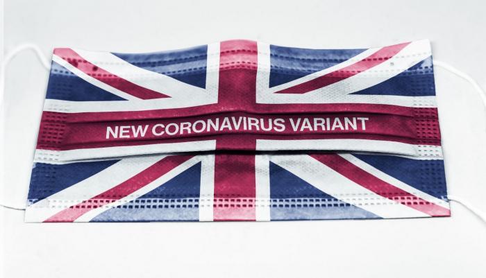 Britská mutace koronaviru je nakažlivější a rychleji se šíří.