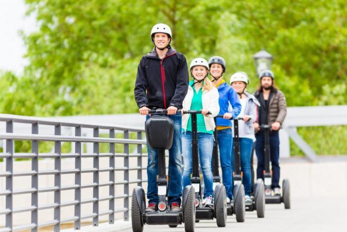 Moderní vozítko se často setkává s nelibostí chodců.