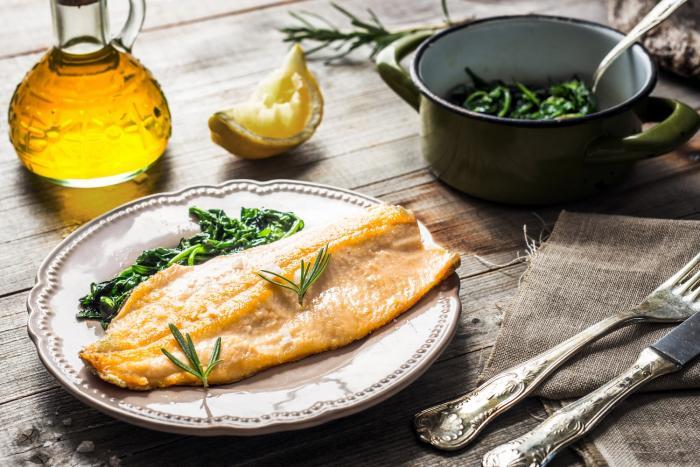 Pravidelná konzumace ryb tělu neuvěřitelně prospívá.