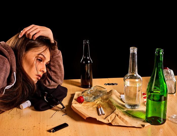 Alkohol má na kondici pleti zásadní vliv.
