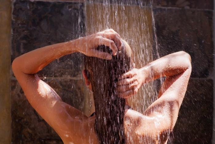 Sprchování je jednou ze situací, kdy mindfulness trénovat.