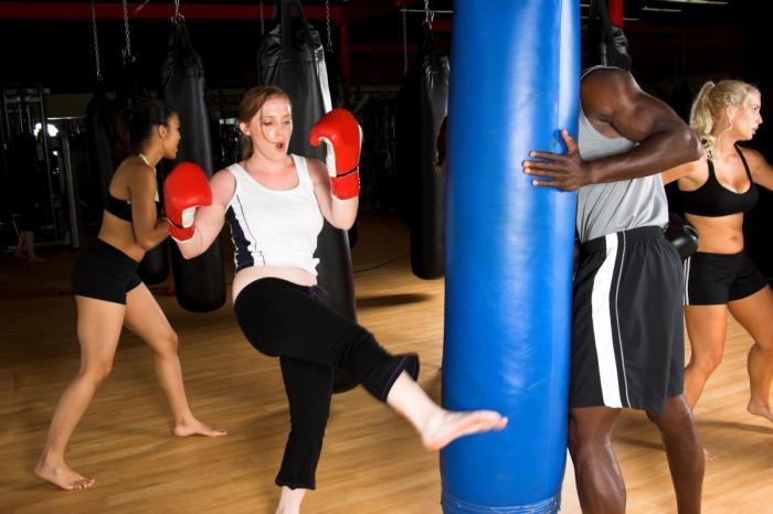 Ano, na prvních lekcích fit boxu nebudeš vypadat právě sexy, ale ty výsledky, ty výsledky... :)