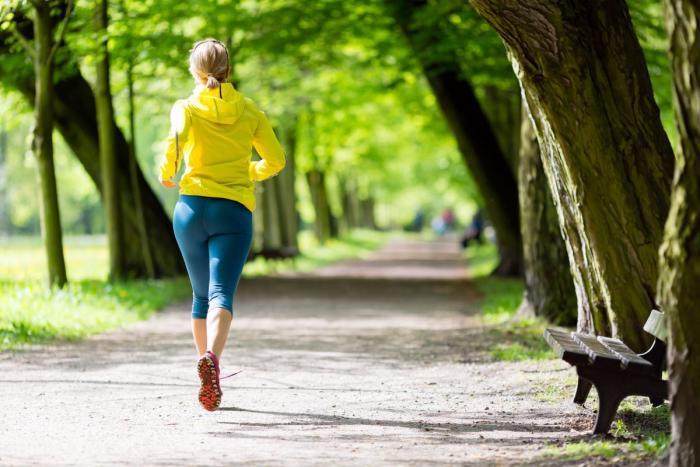 Nebuď lenoch a jdi se proběhnout do parku! Tvoje tělo ti poděkuje!