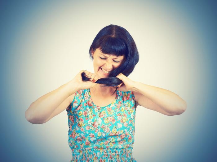 Učesat vlasy někdy stojí hodně úsilí.