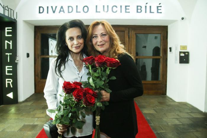 Lucie Bílá požádala Simonu Stašovou o pomoc s novým divadlem.