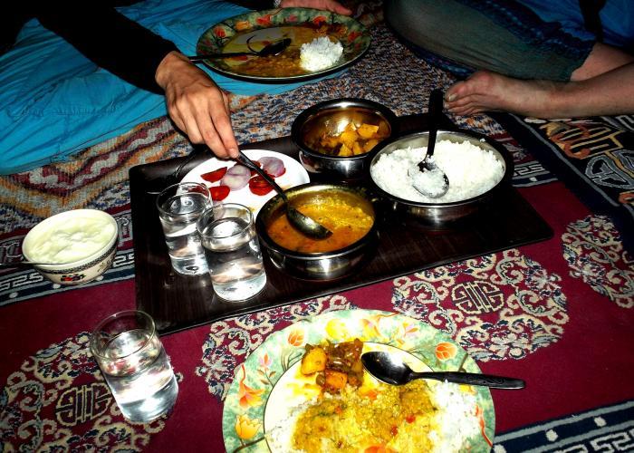 Jídlo u indické rodiny může být tou nejlepší gastronomickou zkušeností.