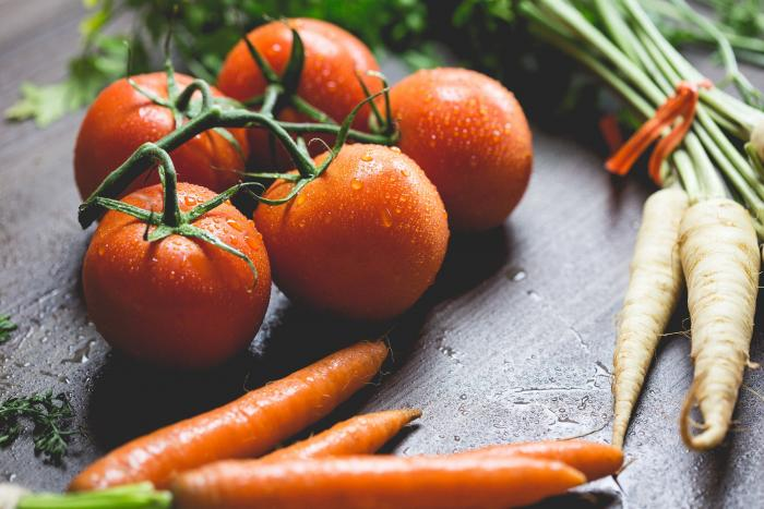 Zelenina je vhodným zdrojem vlákniny.
