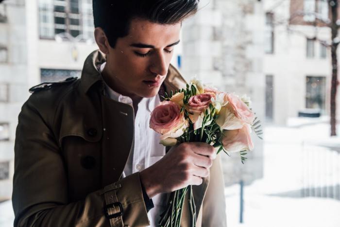 Ideální muž se nebojí vyznávat lásku.