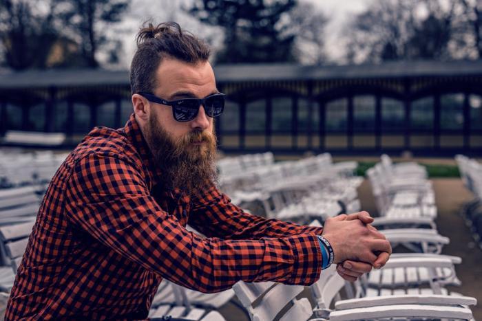Hipsteři mají specifické trendy v odívání.