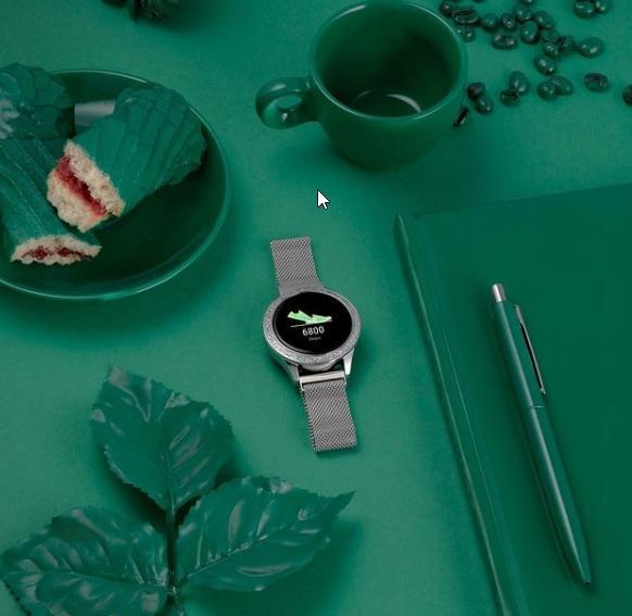 Tyhle dámské hodiny jsou elegantní a funkční.
