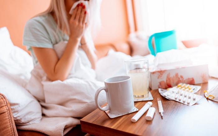 Onemocnění může mít podobný průběh jako chřipka. Ale i úplně jiný.