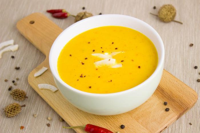 Dýňové polévky se nemusíš bát, ani když nasadíš dietu.