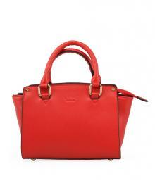 červená kabelka, kterou musíte mít